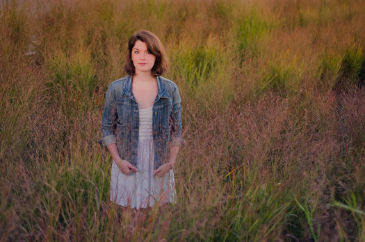 maryleigh_roohan_standing_in_field_2013-thumb-525x349-15378