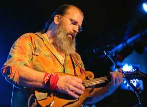 Steve EArle beard mando